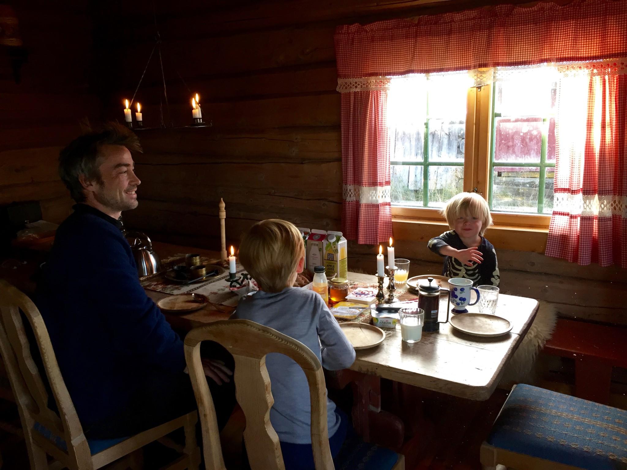 frokost-breakfast-fjellet-gausdal