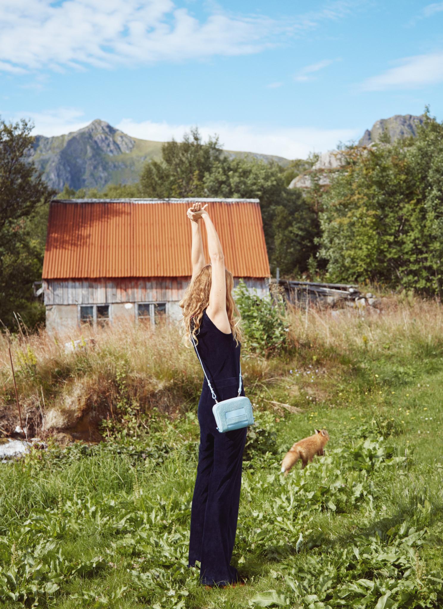 eben-handbags-fox-lilli-lofoten