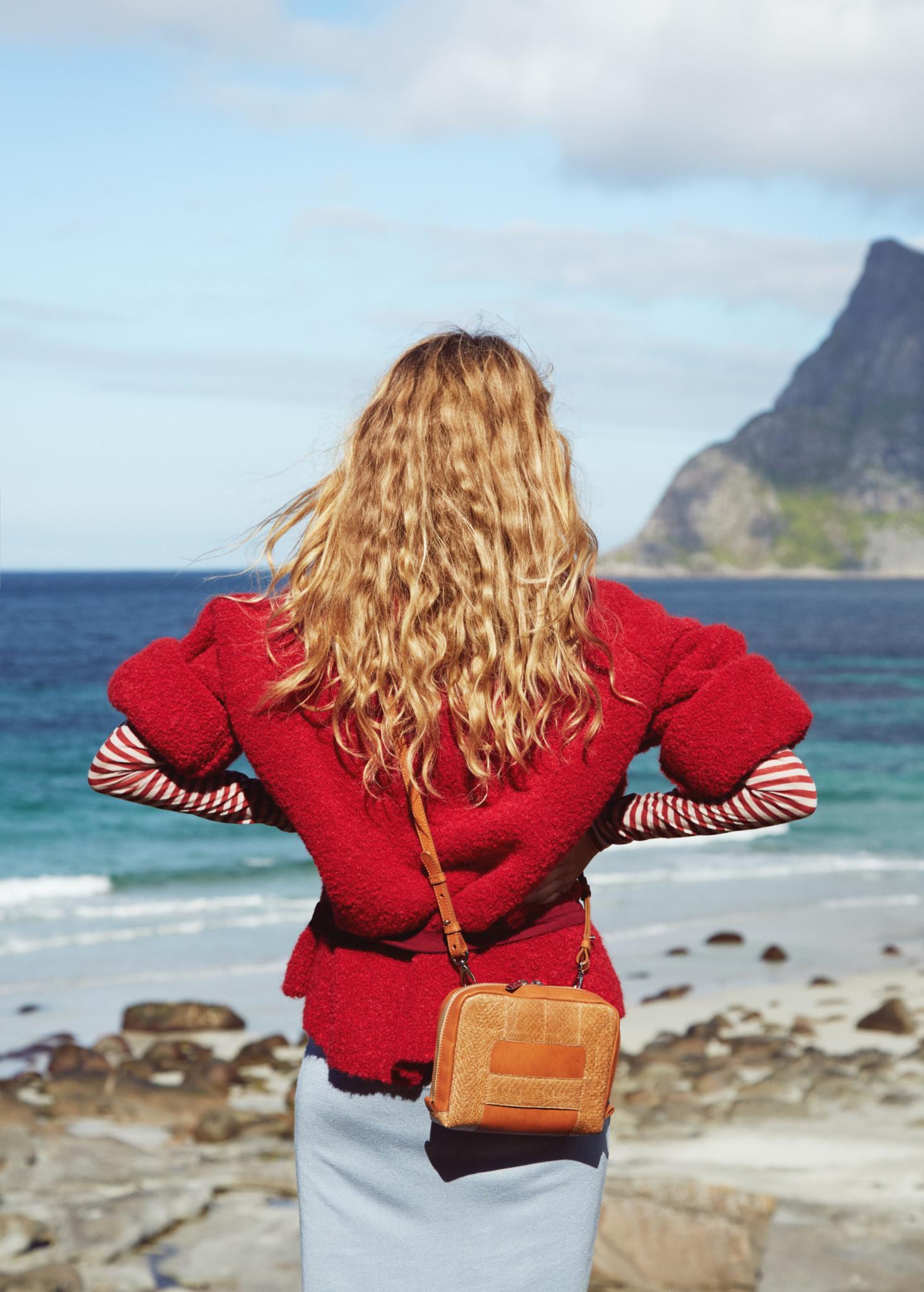 eben-handbags-lilli-reindeer-lofoten