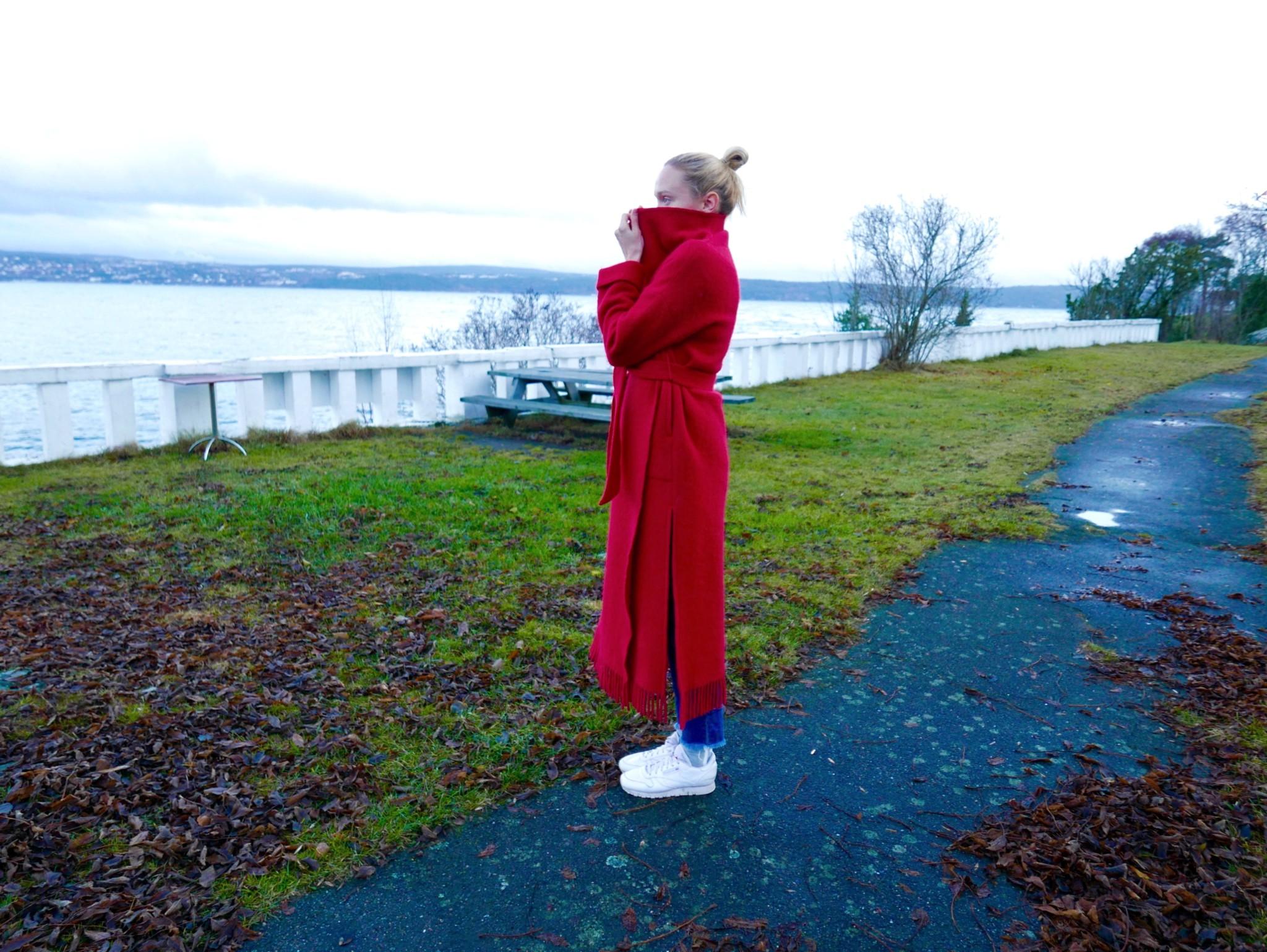 marianne-haugli-dancer-red-coat