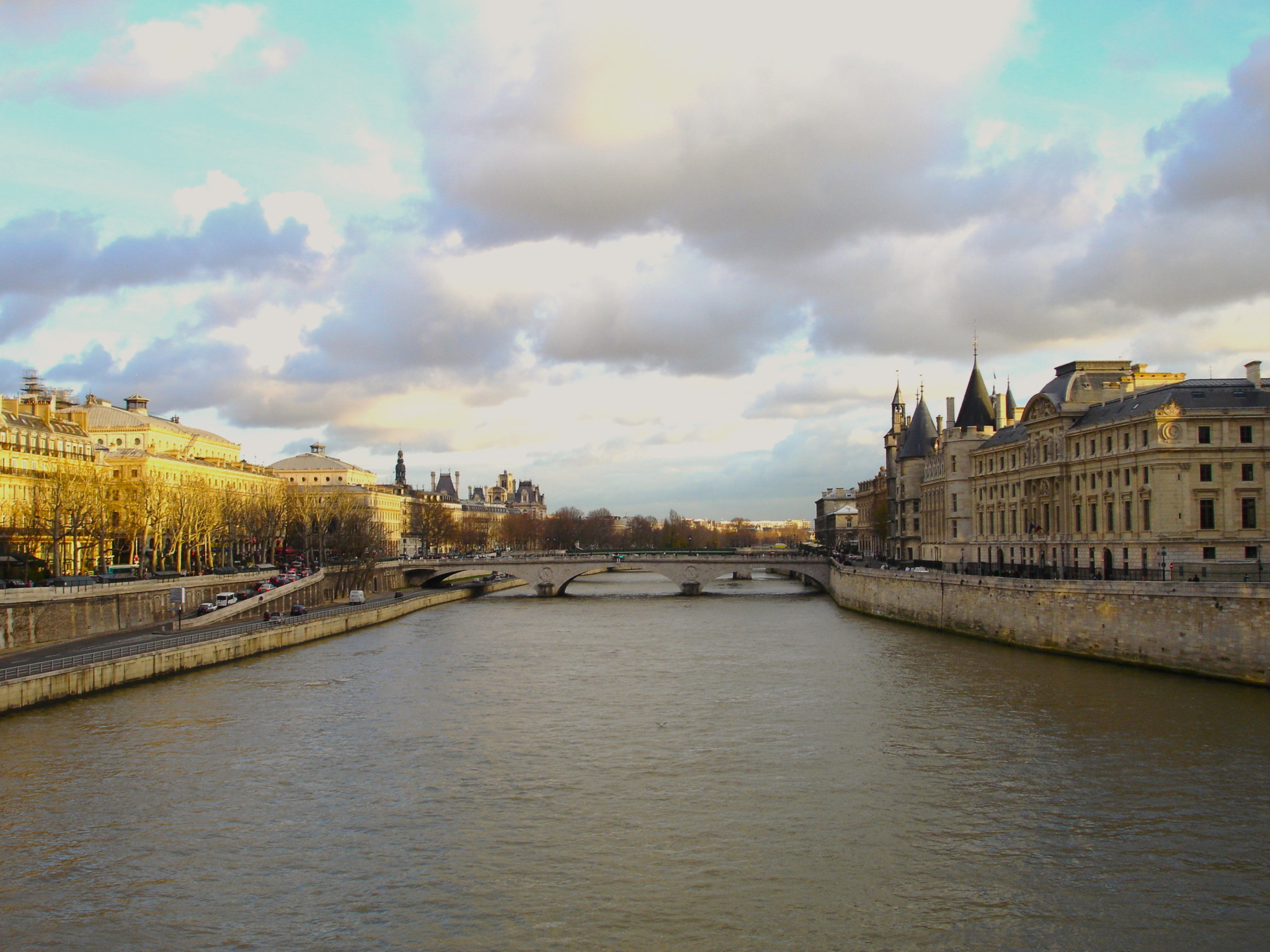 paris-la-seine-view-beautiful