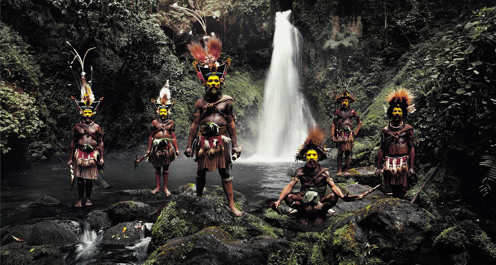 xv-66-tumbu-hangu-peter-hapiya-kati-hengene-steven-huli-wigmen-ambua-falls-tari-valley-papua-new-guinea-2010-available-in-62x-110cm-100x-180-cm-140x-260-cm-180x-360-cm