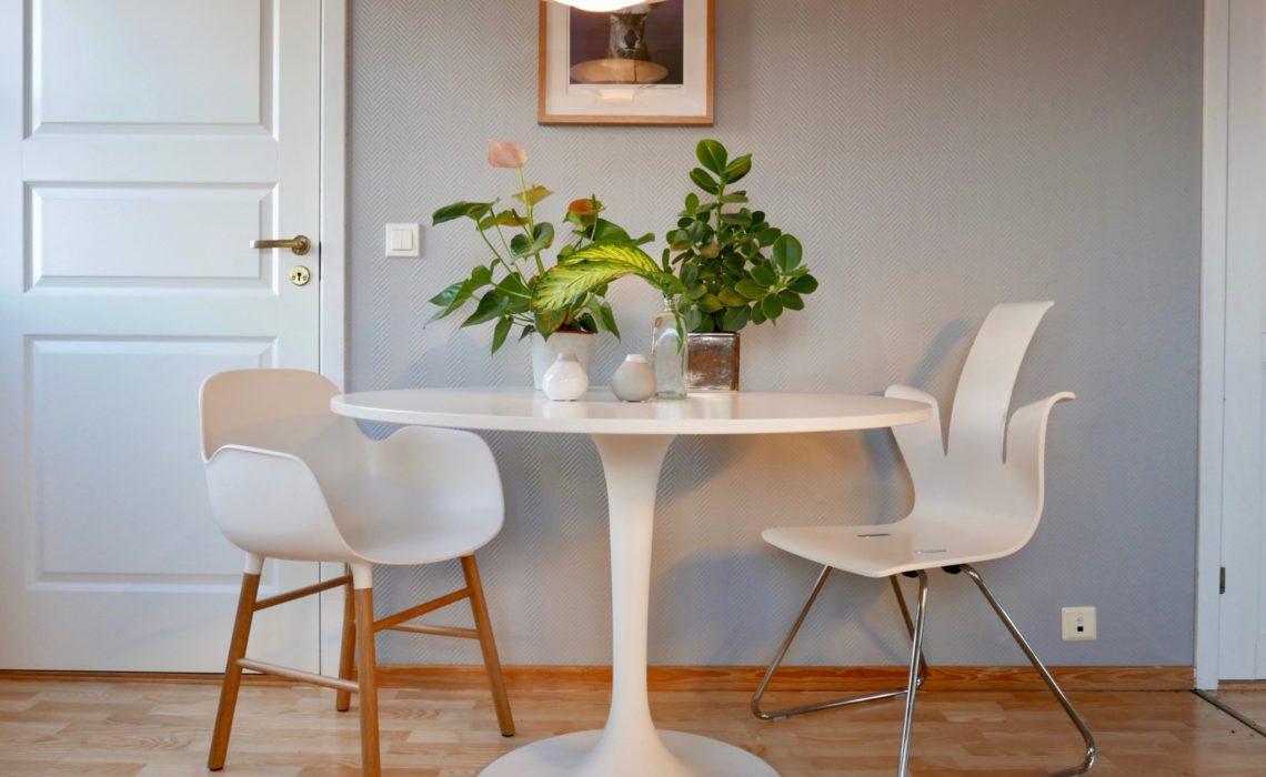 hjemmets-hjerte-ikea-bord-ps-lampe
