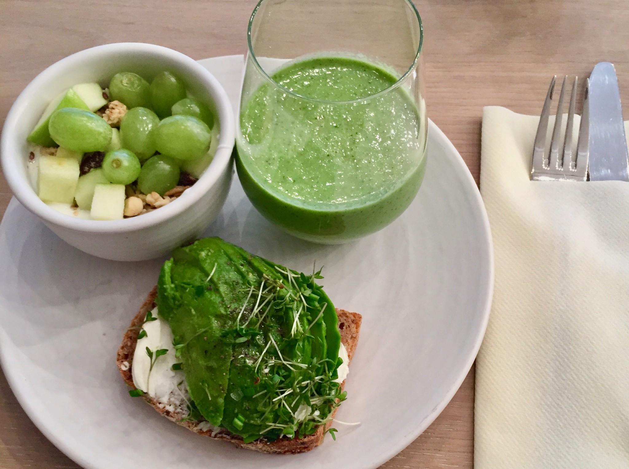 green-breakfast-frokost-ett-bord-anja-stang