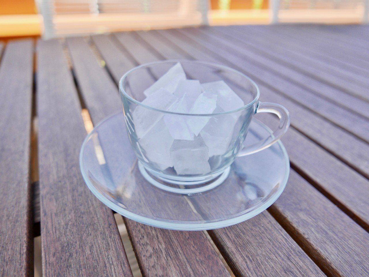 ice-cubes-glass-cup-green-ice-tea-anja-stang