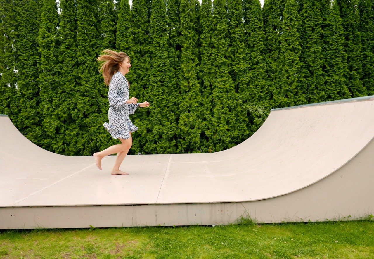 running-woman-skate-ramp-anja-stang
