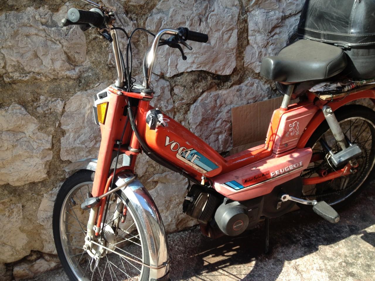 scooter-vogue-peugeot-menton-cote-azur