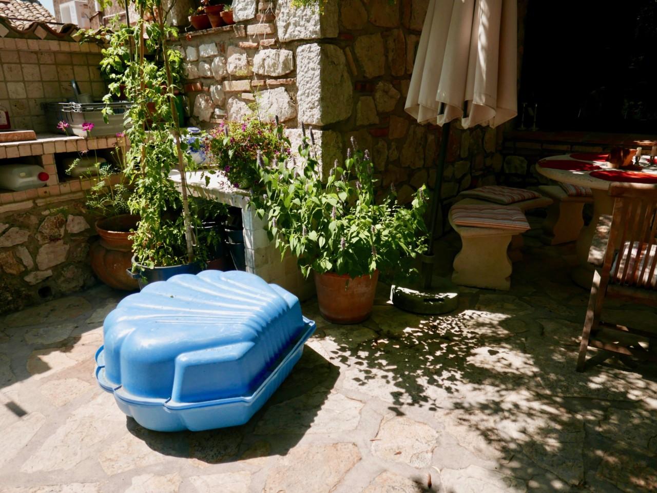 basseng-skjell-seashell-backyard-st-jeannet