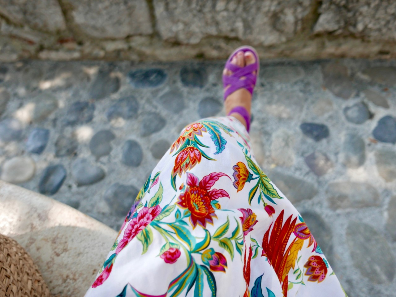 flower-sun-dress-purple-sandals-anja-stang