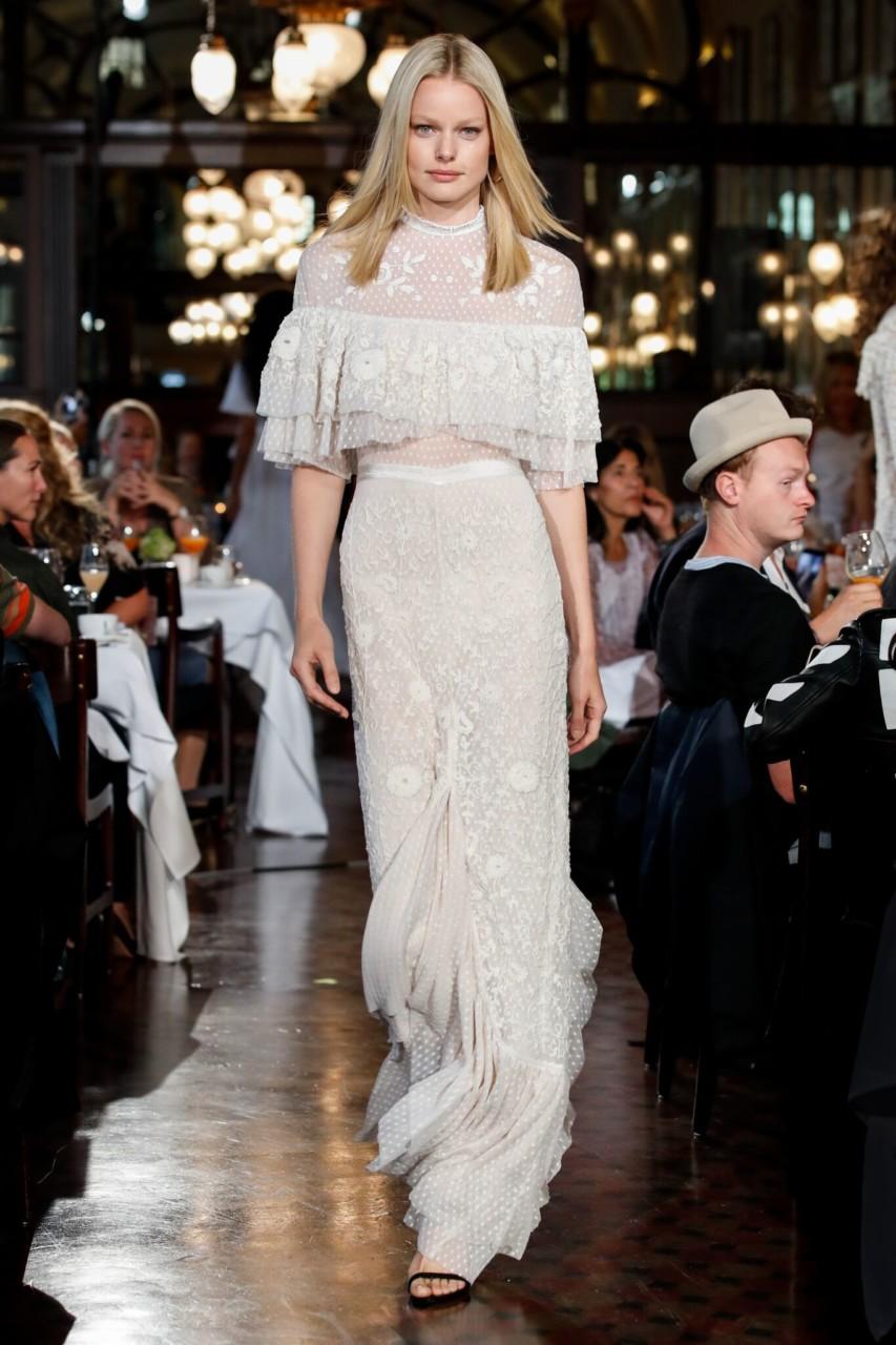 by-timo-ss18-oslo-runway-bridal-dress