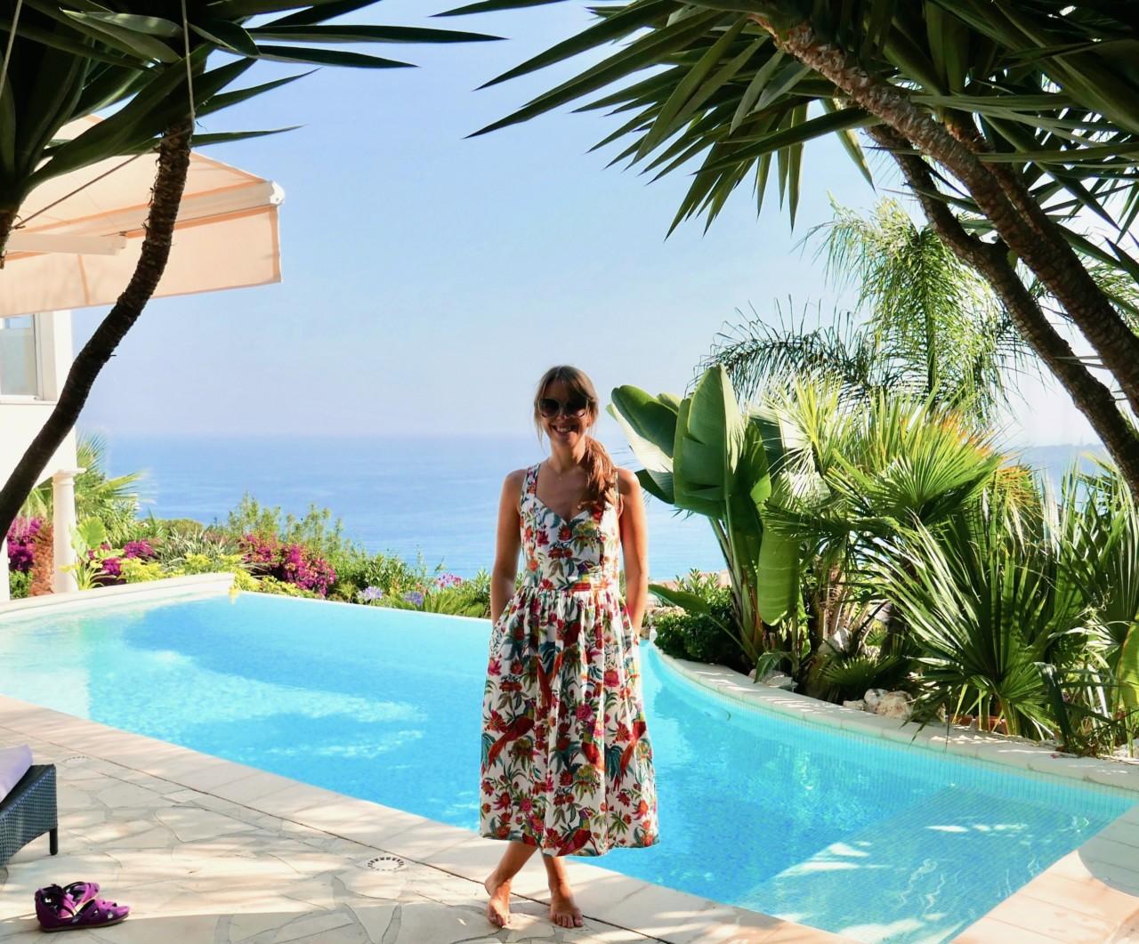 sundress-vintage-menton-cote-azur-pool-anja-stang