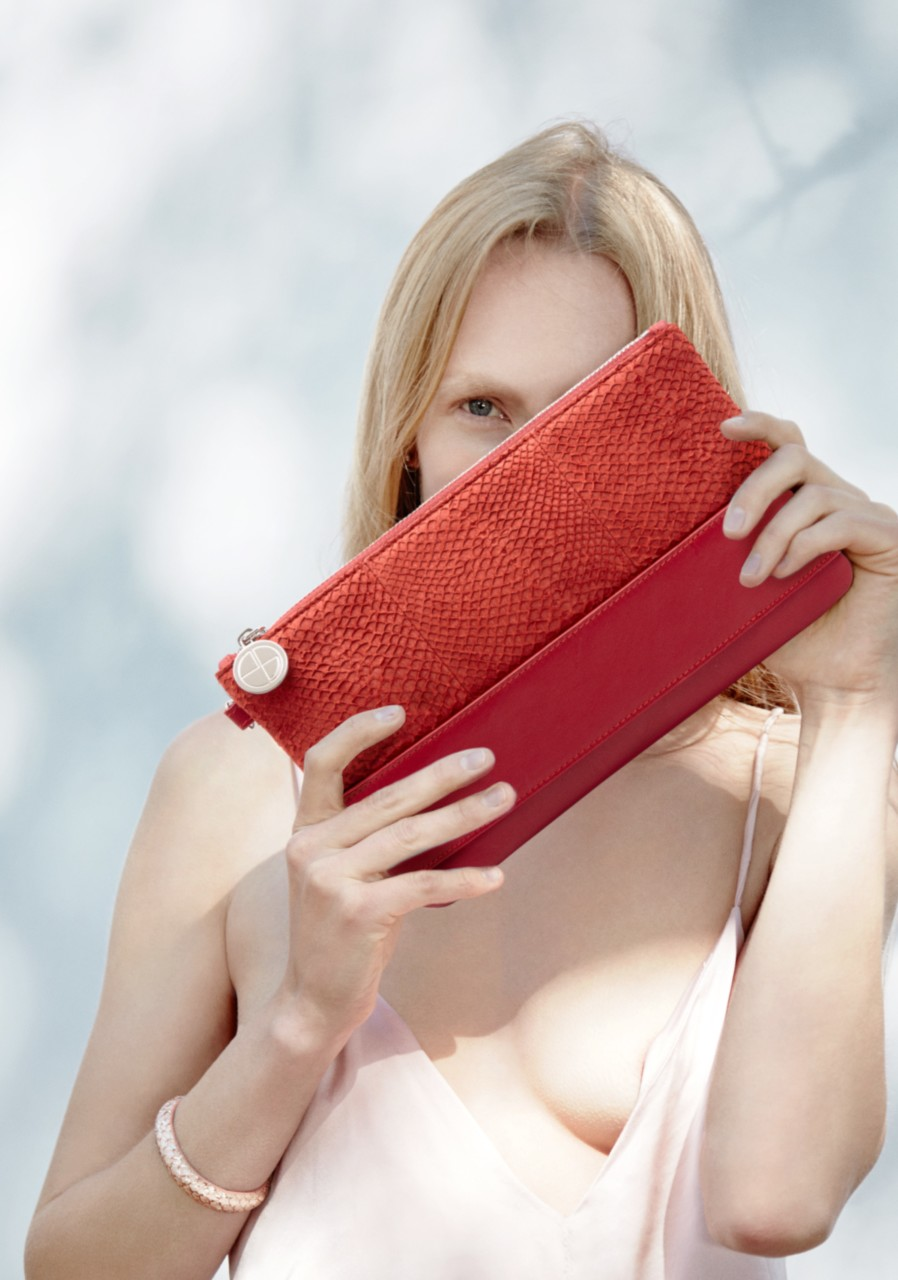 jenny-sinkaberg-studio-ebn-red-clutch-green-house