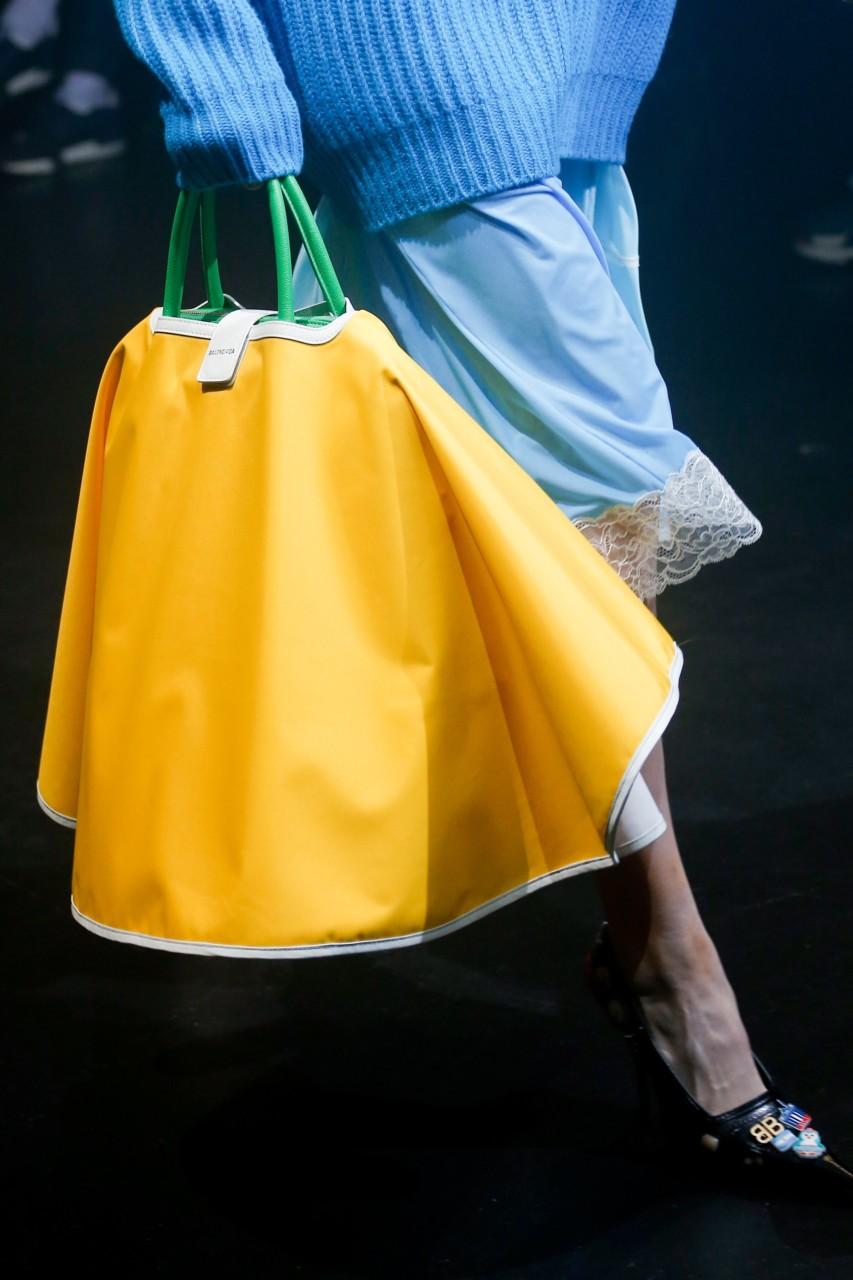 balenciaga-bag-yellow-ss18-gul-arets-farge