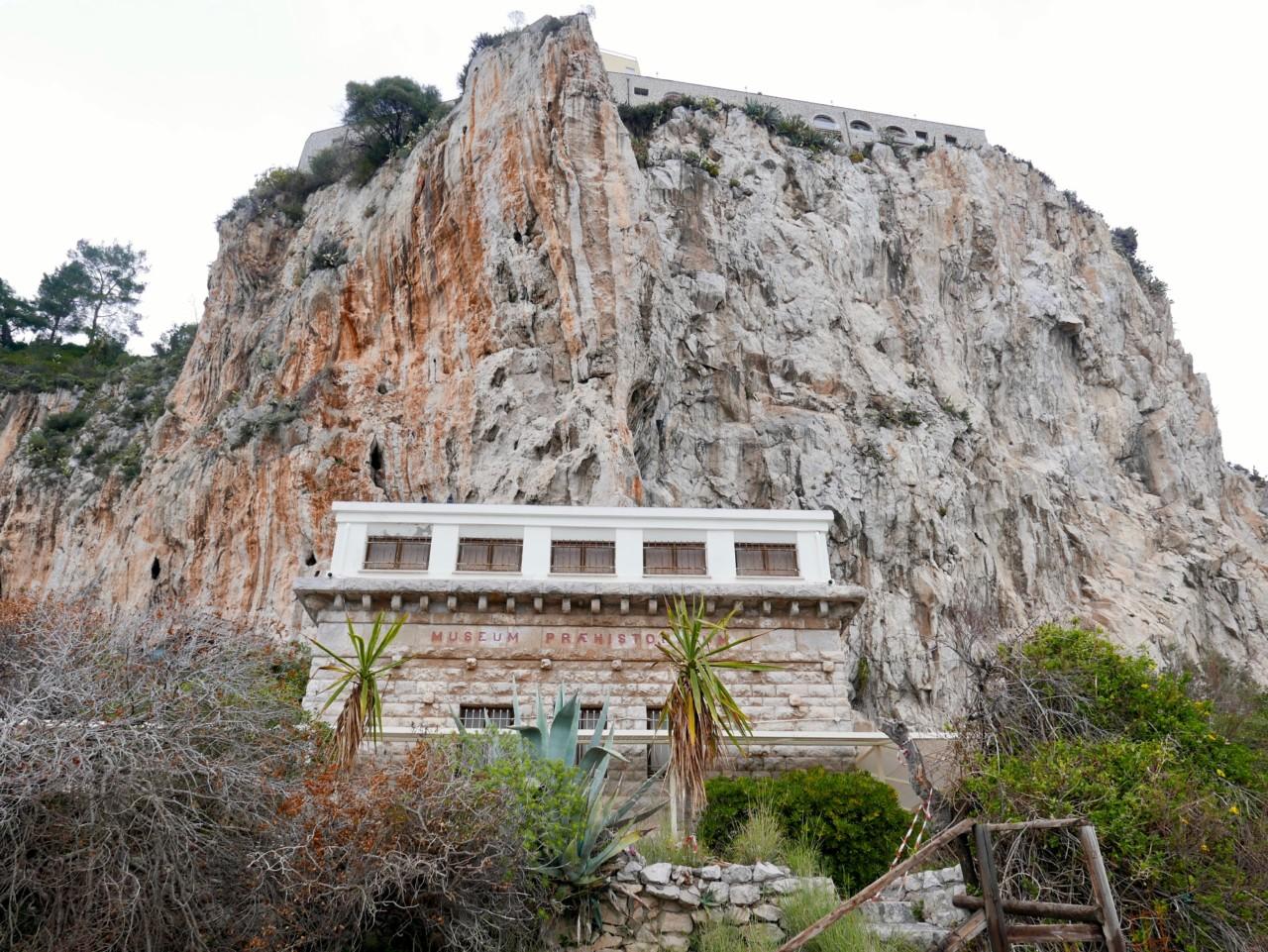 balsi-rossi-italia-museum-prehistoricum-menton-green-house