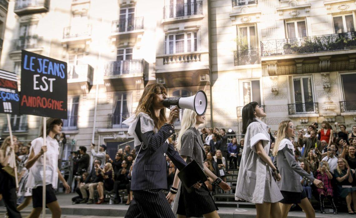 caroline-maigret-chanel-feminisme-ss15-alessandro-garofolo-activist