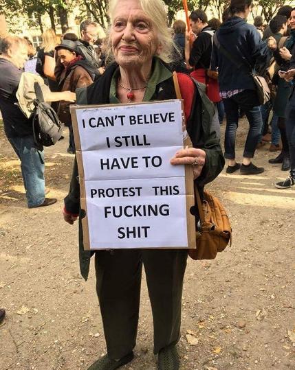 protest-demonstrasjon-kvinne-feminisme-aktivist-activist-green-house
