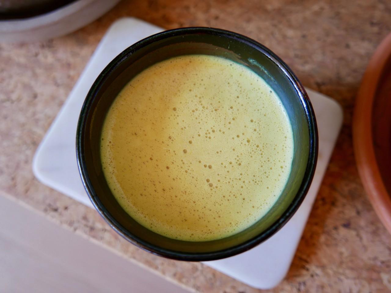 verdens-beste-golden-milk-gurkemeie-latte-green-house