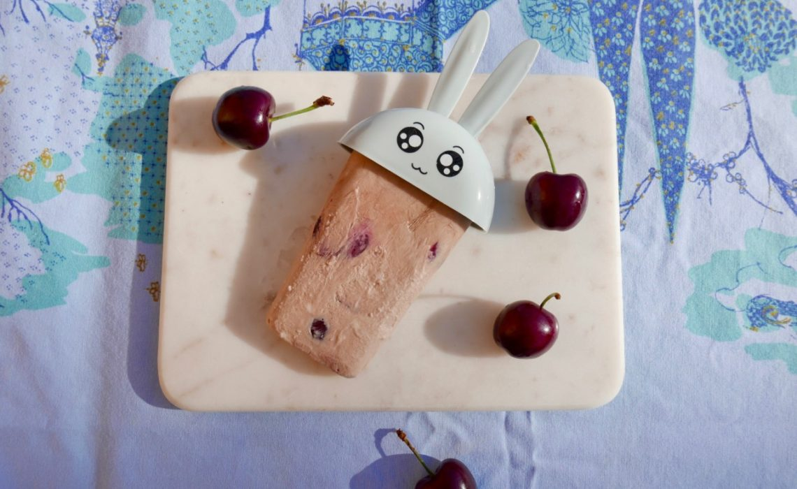 tart-cherry-kokosmelk-yoghurt-is-barnevennlig-green-house