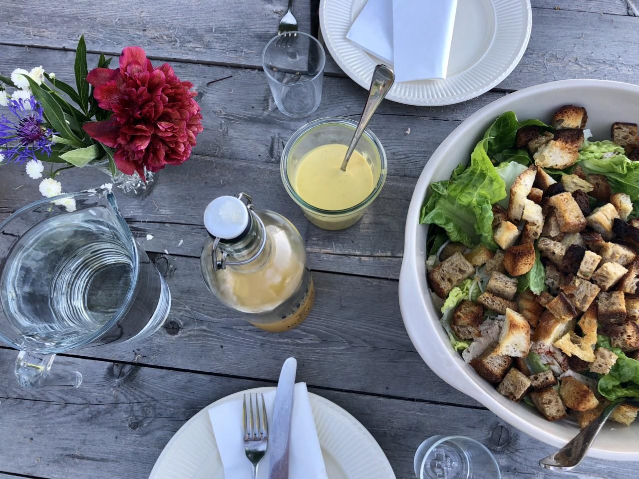 caesarsalat-oppskrift-okologisk-kylling-hovelsrud-green-house