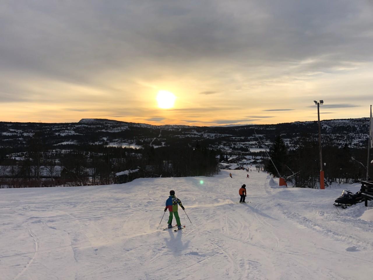 skeikampen-slalom-snowboard-sno-vinter-green-house