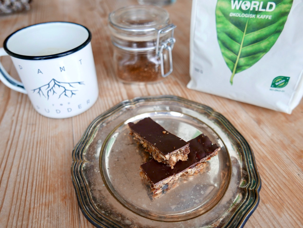 green-world-okologisk-kaffe-pant-for-pudder-glutenfri-energibar