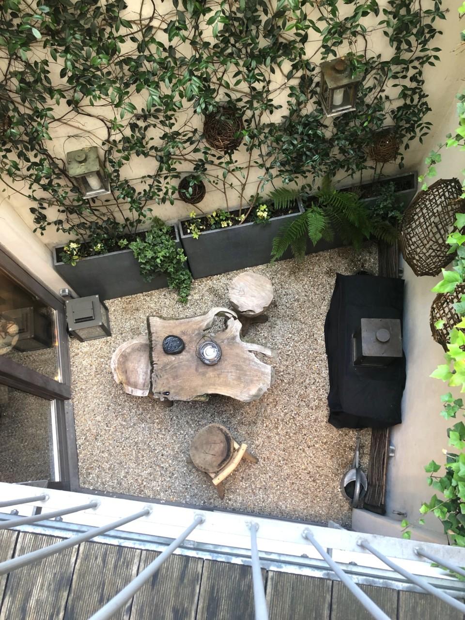 uteplass-frokost-hidden-hotel-breakfast