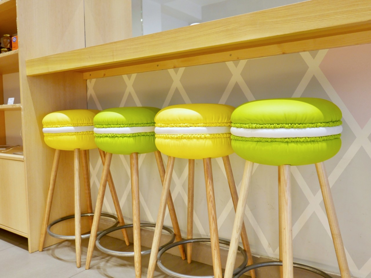 helmut-newcake-macarons-gluten-free-patisserie-paris