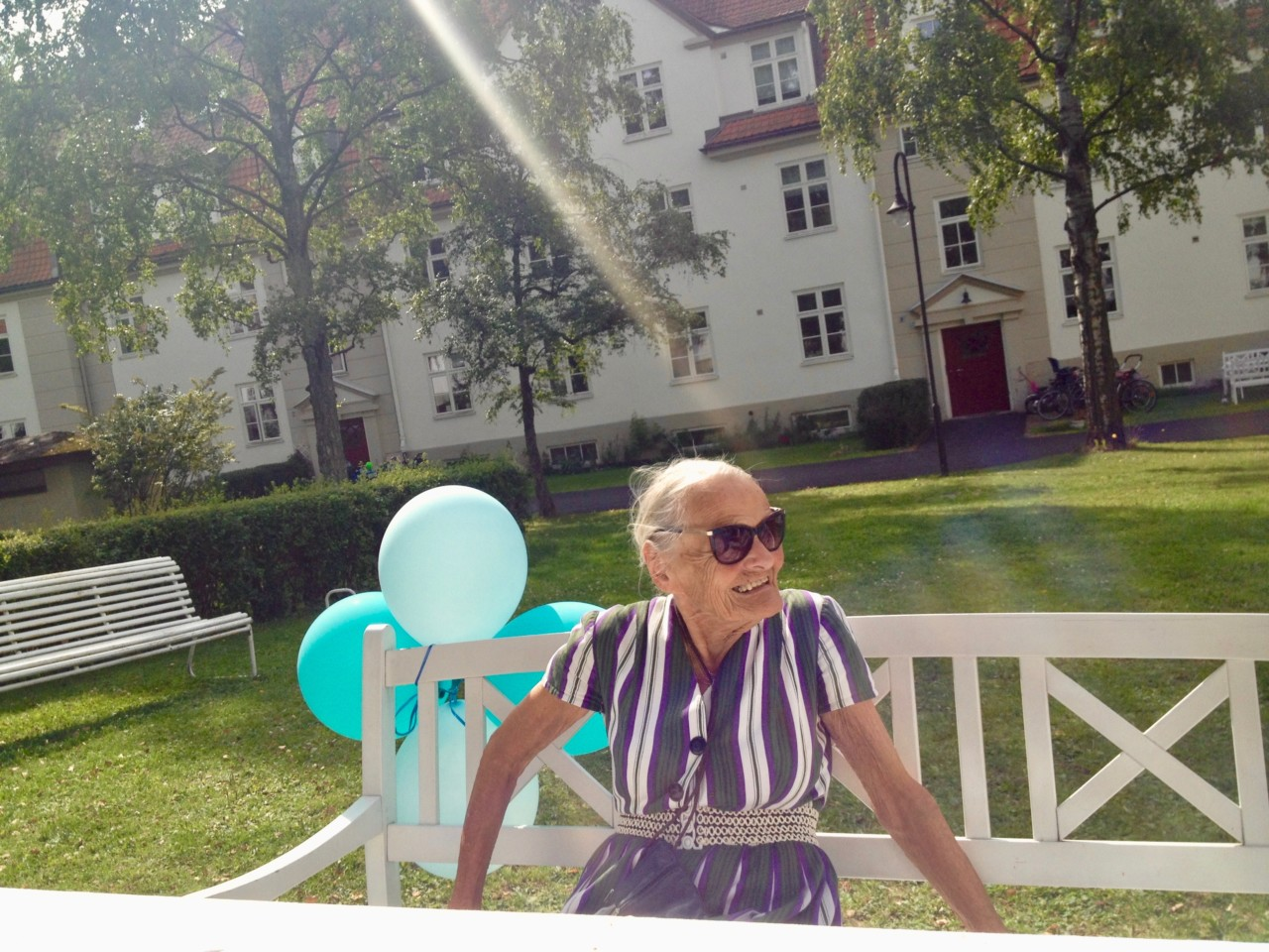 verdens-kuleste-bestemor-mokkakake