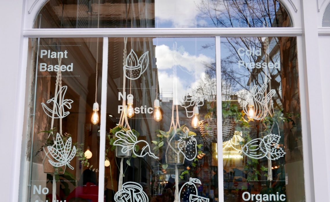 wild-and-the-moon-paris-window-plantebasert