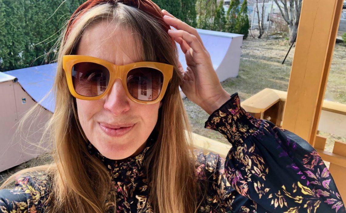 den-store-byttedagen-kjole-gjenbruk-solbriller-vaar-anja-stang
