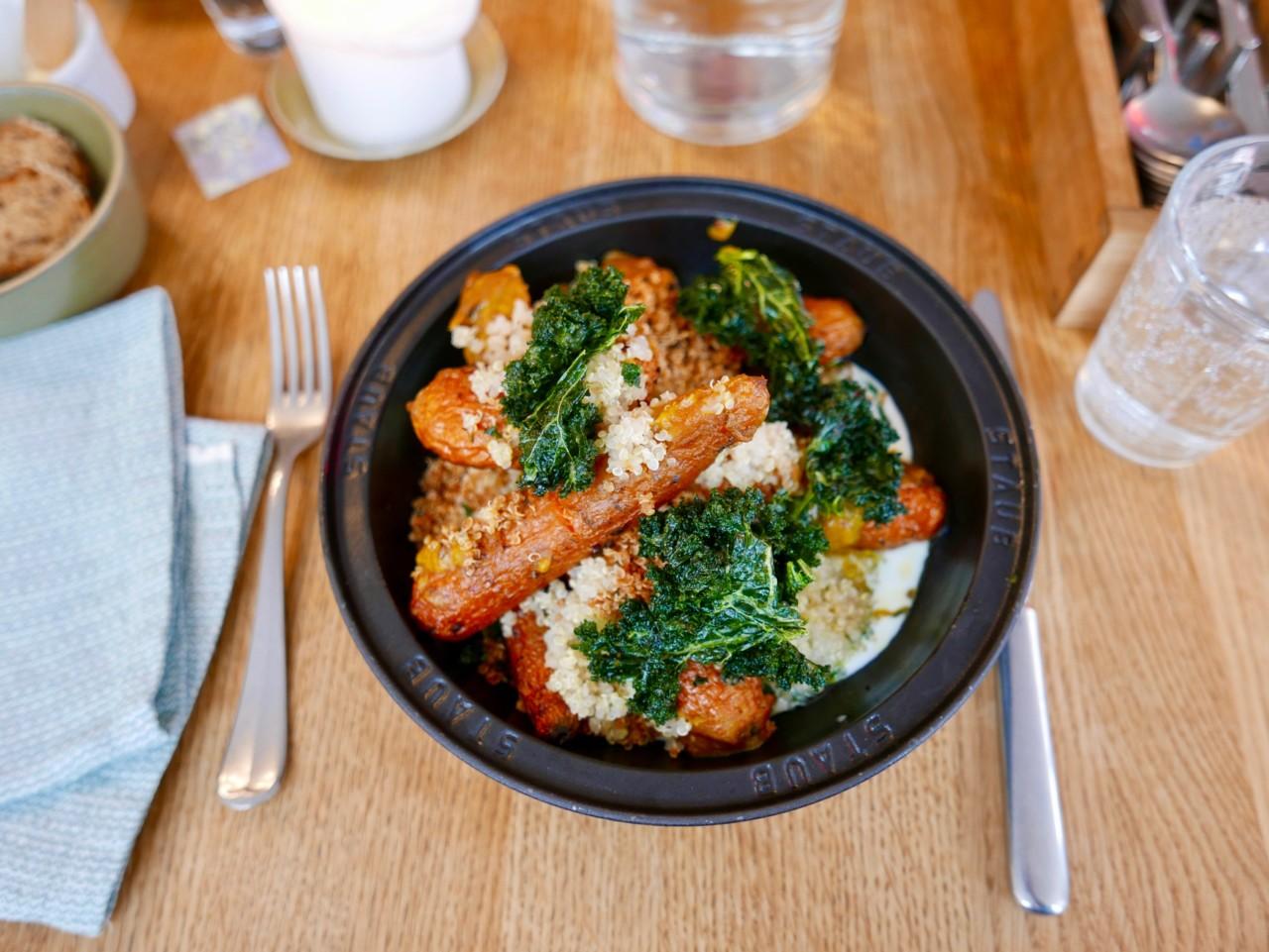 matbaren-renaa-bakte-regnbue-gulrotter-tagine-vegetar-mat