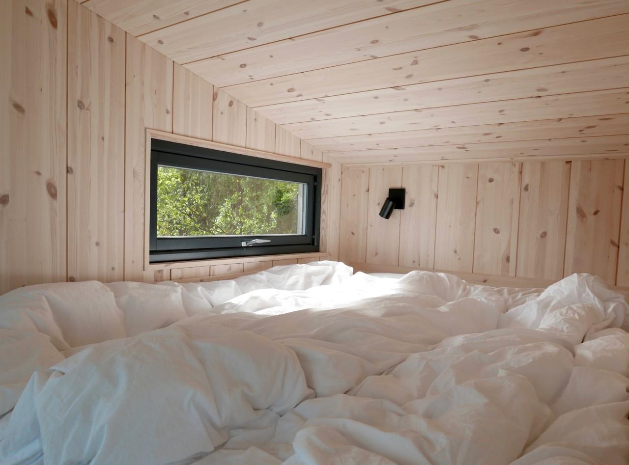 sovehems-sengetoy-toten-tretopp-hytte
