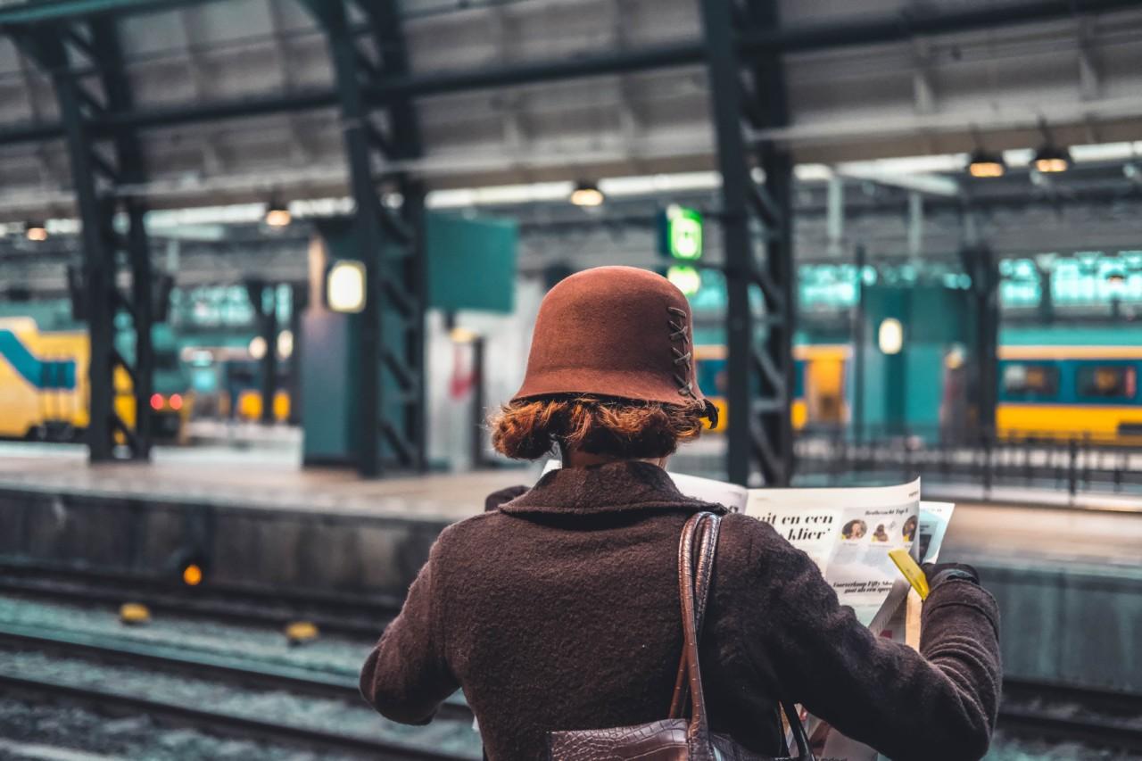 travel-with-style-raphael-ferraz-train-tog-reise-unsplash