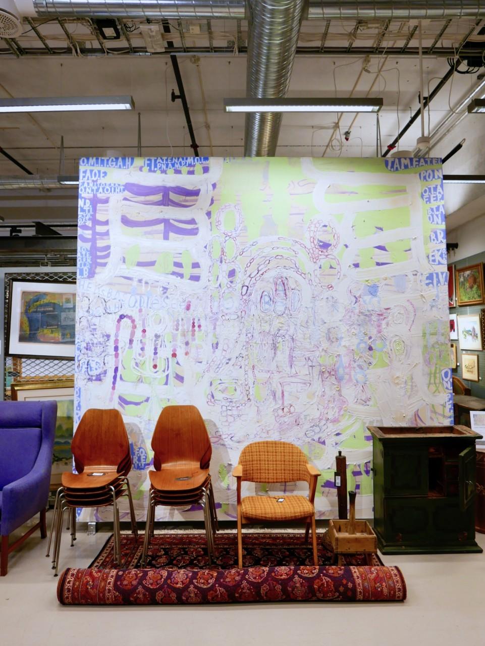 gigantisk-maleri-blomqvist-nettauksjon-stoler
