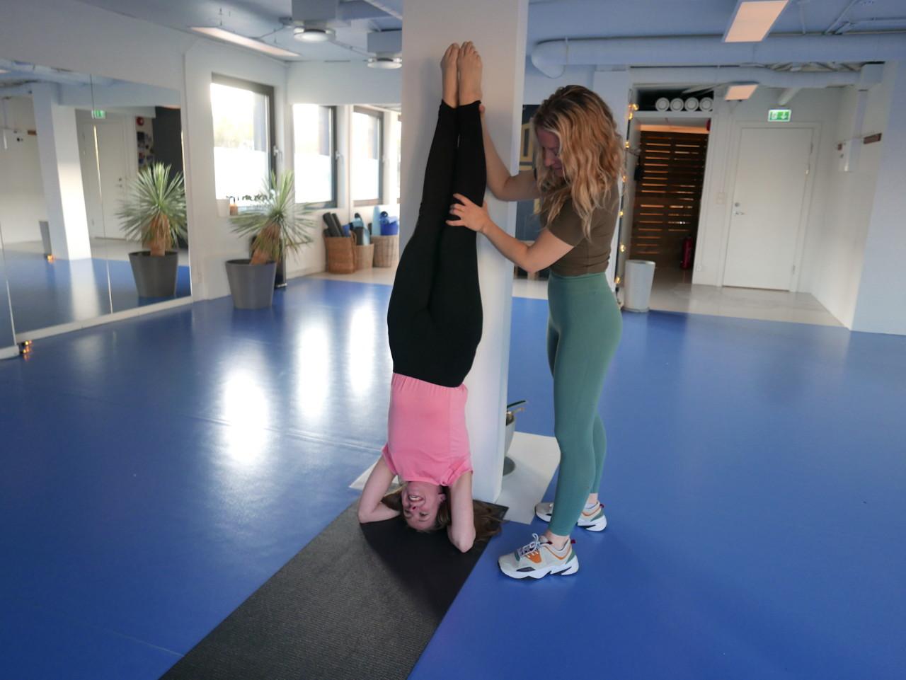 hodestaaende-headstand-yoga-flyt-studio-nesodden