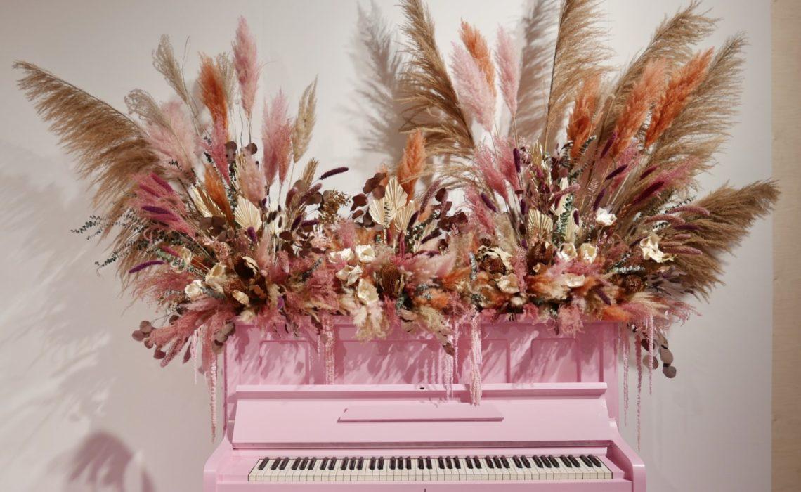 lykke-torkede-blomster-oslo-design-fair-rosa-piano