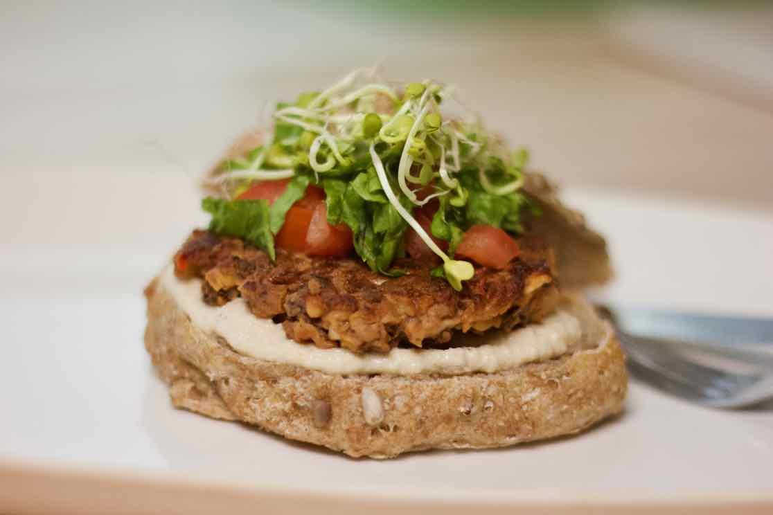 sunn-vegansk-mat-bokhveteburger-green-house