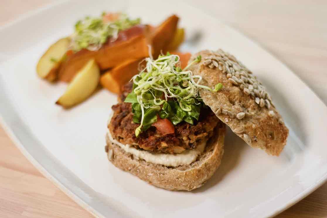 vegansk-bokhvete-burger-umamirama-proteiner