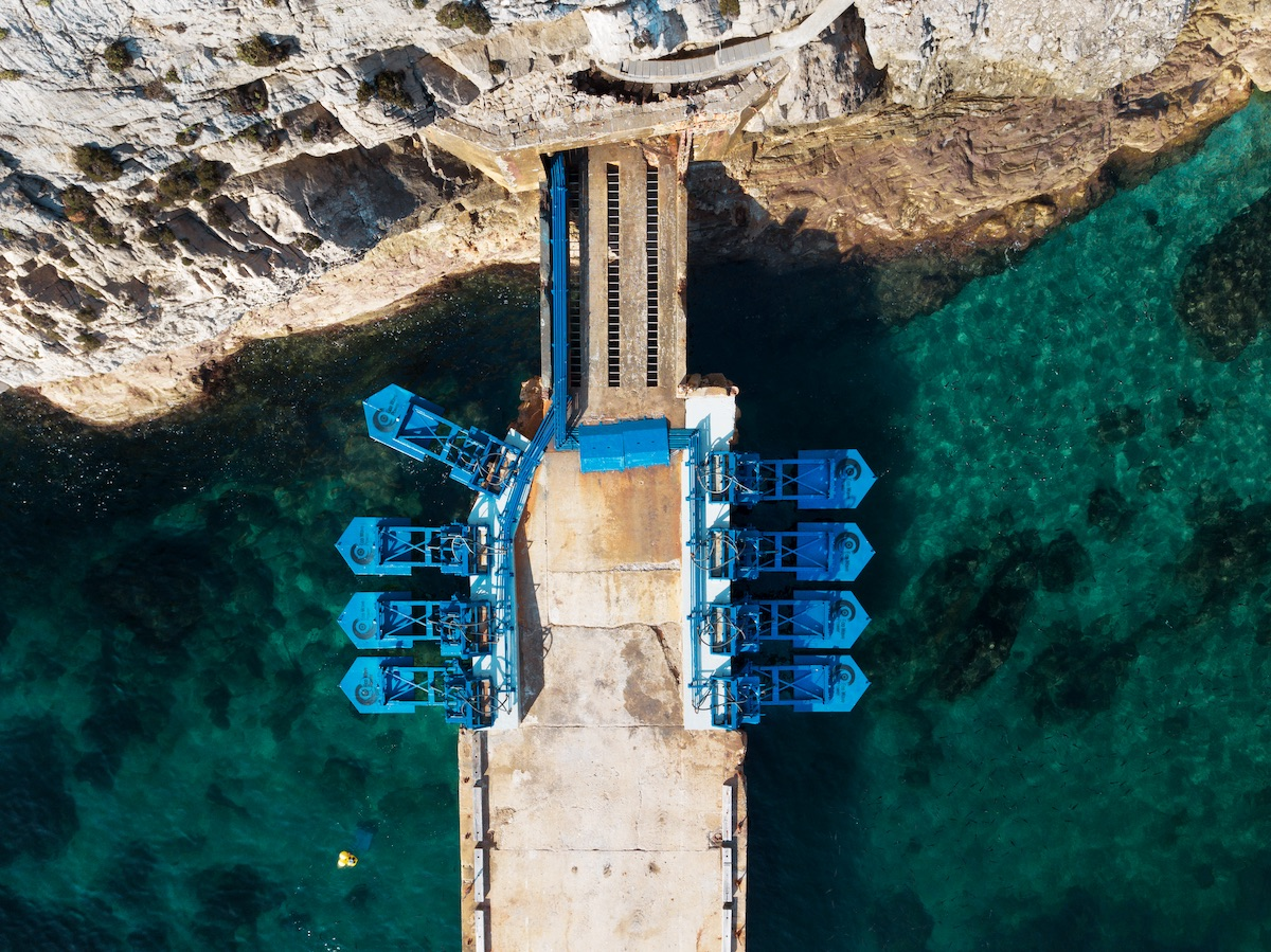 eco-wave-power-gibraltar-power-station-chris-mcmorrow