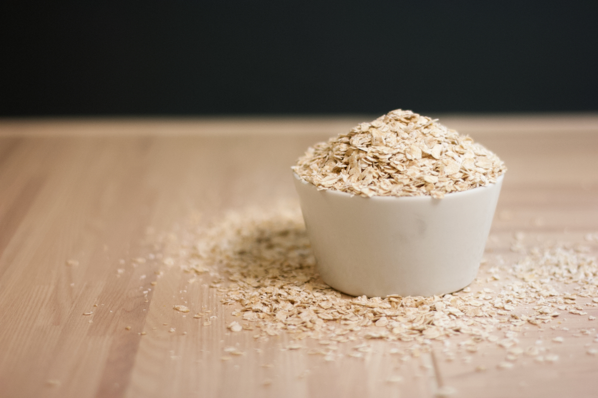 havregryn-glutenfrie-hjemmelaget-havremelk-gjor-det-selv