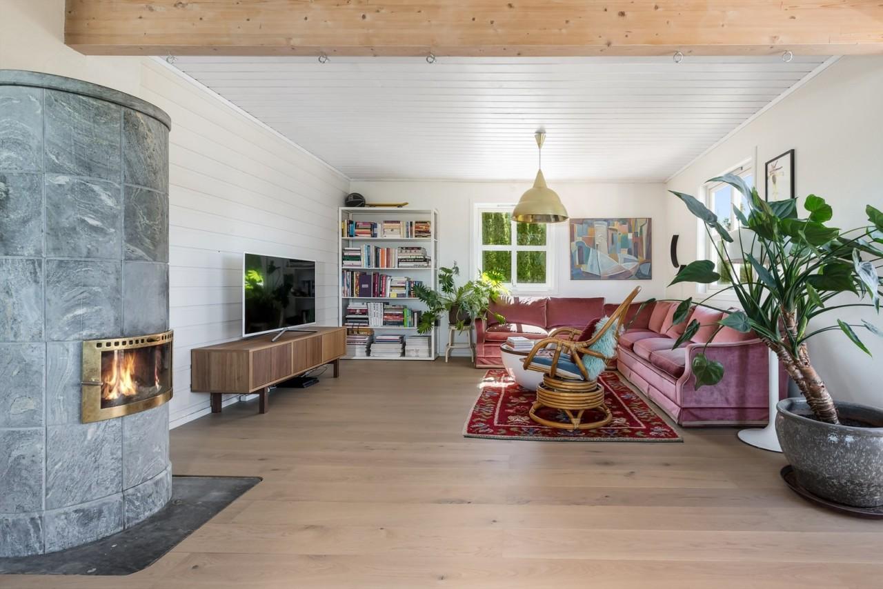 rosa-sofa-velvet-floyel-flyttesalg-interior