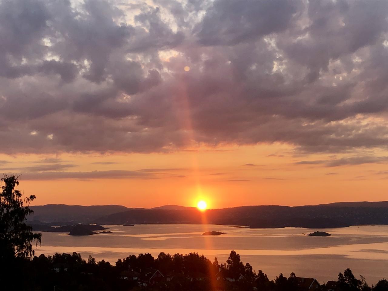 soloppgang-hav-utsikt-nesoddenlove-anja-stang-green-house