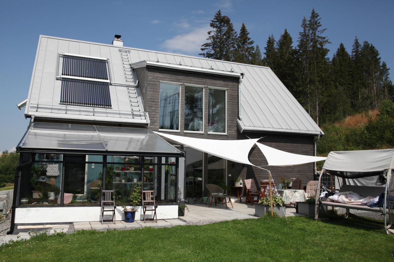 fasade-passivhus-solfangere-vinterhage-skarnes