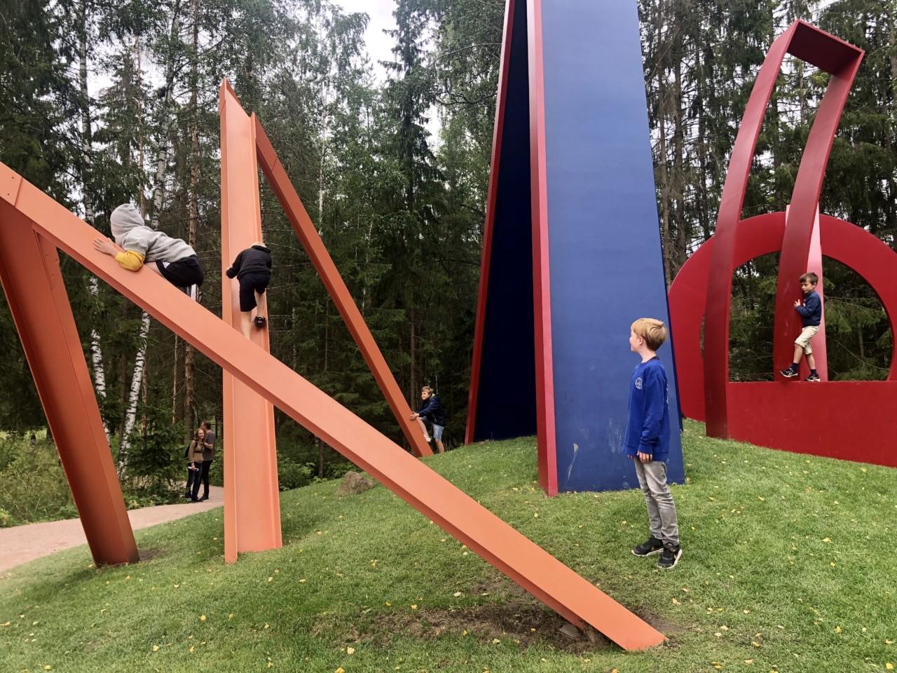 kistefos-museet-fargerik-kunst-barnevennlig-sommerferie