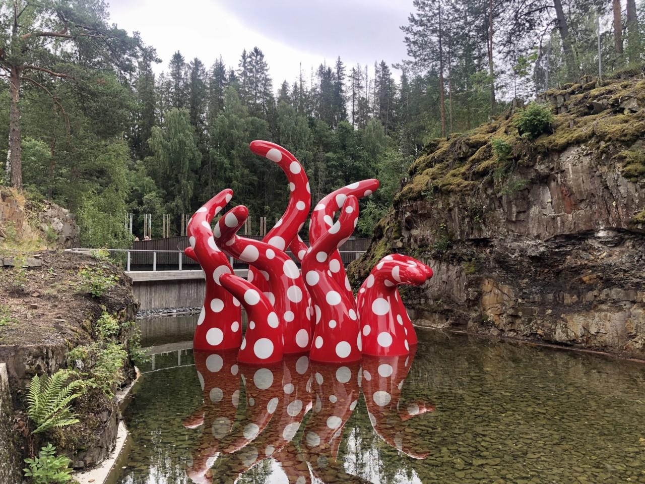 yayoi-kusama-blekksprut-kistefos-museet-fantastisk-barnevennlig-kunst