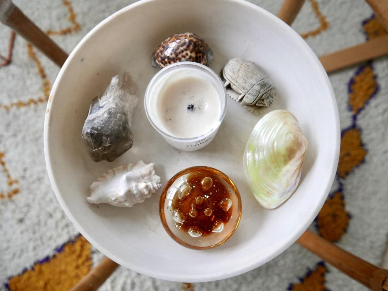 favoritter-krystall-skjell-skarabe-duftlys