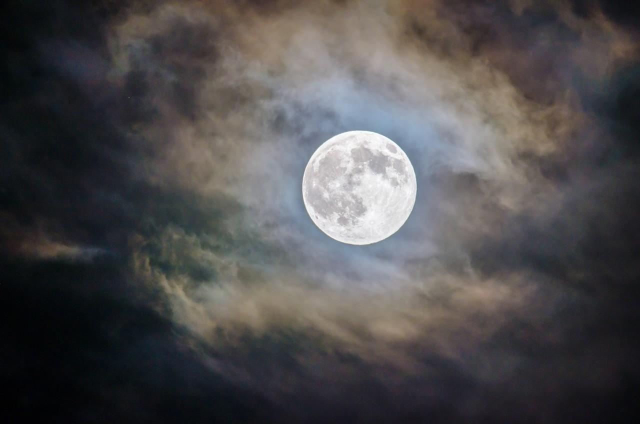 full-moon-ritual-ganapathy-kumar-unsplash