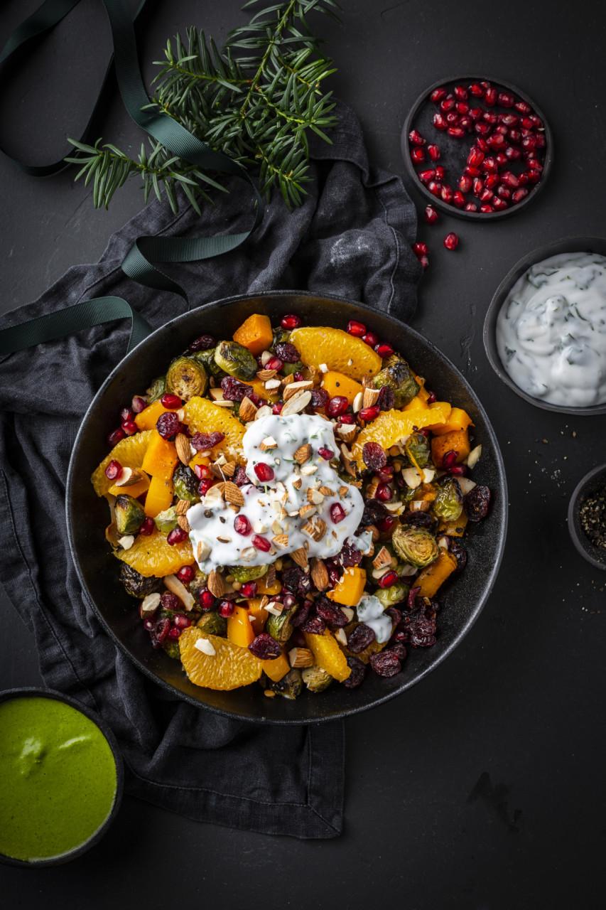 hanne-lene-dahlgren-en-skikkelig-digg-kokebok-2-rosenkaalsalat-vegansk-julemat