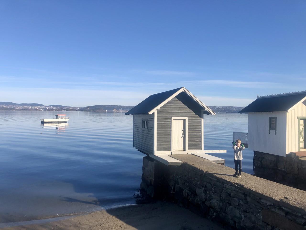 oksval-brygge-badehus-strand-nesodden-februar-2021-vinterferie
