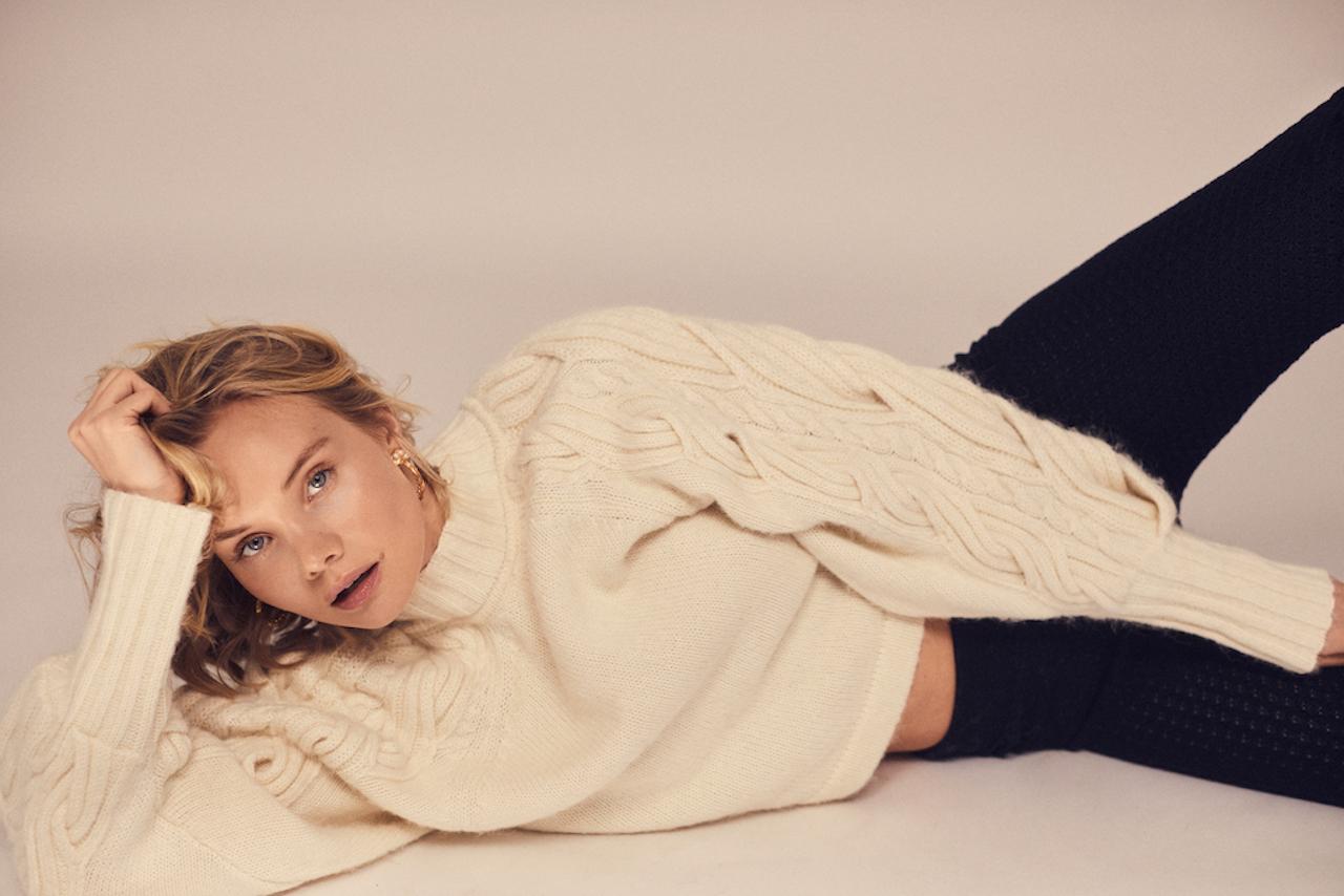 foto-ole-martin-halvorsen-sweater-and-pants-bite-studios